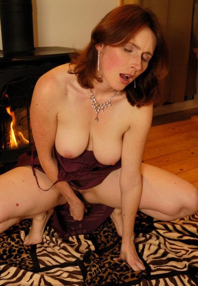 Elli Nude Passionate Plaything dildo